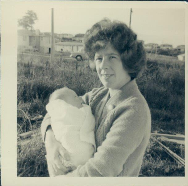Mum holding Susan at Lyndhurst Road